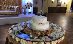 Wedding Cake – Glass Tabletop