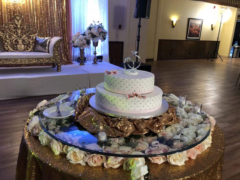 Wedding Cake – Glass Tabletop